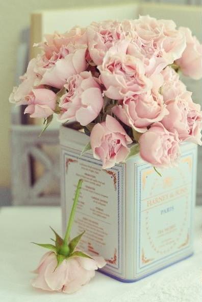 pink-roses-vintage-tea-tin
