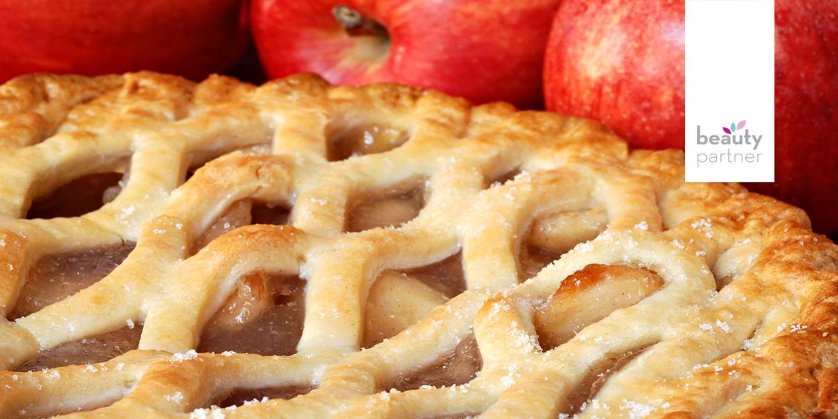 Gyümölcs és süti a testeden
